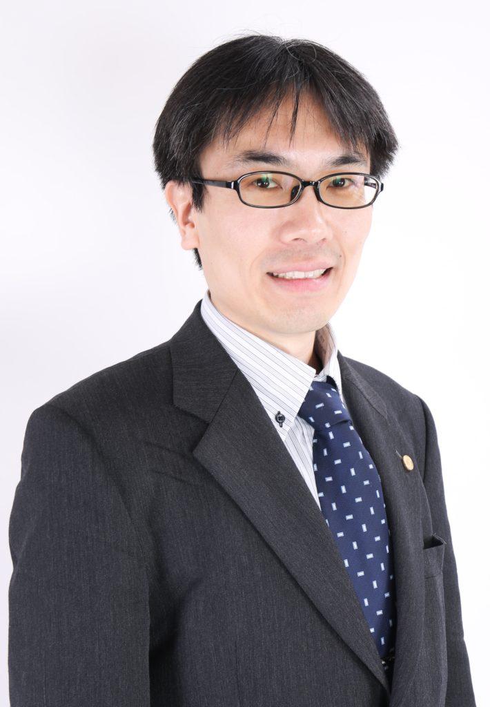 大阪の行政書士で、宅建業免許光速申請請負人の長島です。御社の不動産事業を成功させるためのサポートを行います!